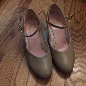 Capezio tan character shoes